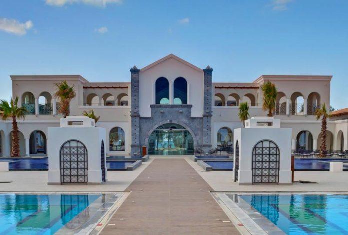 Οι Σκανδιναβοί προτιμούν το Anemos Luxury Grand Resort