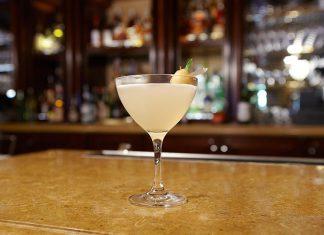 Τα αποστάγματα Μπαμπατζίμ μετατρέπονται σε δροσιστικά cocktails!
