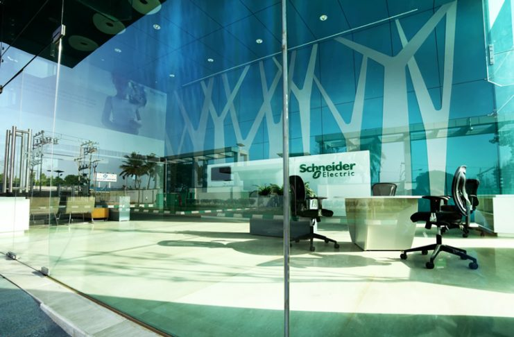 H Schneider Electric καινοτομεί με το Easy UPS3S
