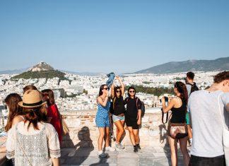 5 εκατ. τουρίστες ενισχύουν την οικονομικά την Αθήνα