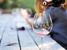 Η ΕΔΟΑΟ ζητά άμεση κατάργηση του φόρου στο κρασί