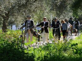 Το 5ο Tweed Run τον Οκτώβριο στις Σπέτσες