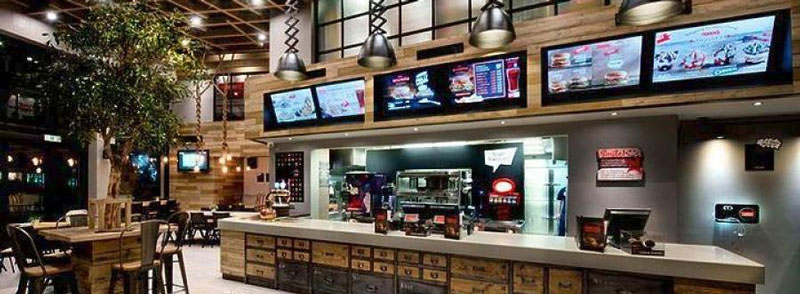 Το «It's All Greek» αποτελεί τη νέα πρόταση του Ομίλου Εστίασης της Vivartia στο ελληνικό φαγητό και πρόκειται για ένα νέο, μοντέρνο ψητοπωλείο, μια νέα εκδοχή του παραδοσιακού ψητοπωλείου, με πρωταγωνιστή το κοντοσούβλι.
